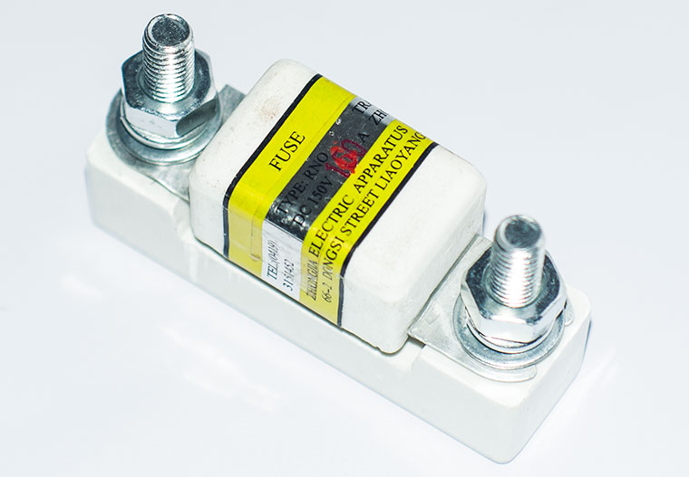 Automotive Bolt-in Ceramic Stud Fuse